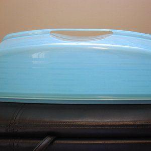 Tupperware Cupcake/Cake Holder w/ Locking lid Blue